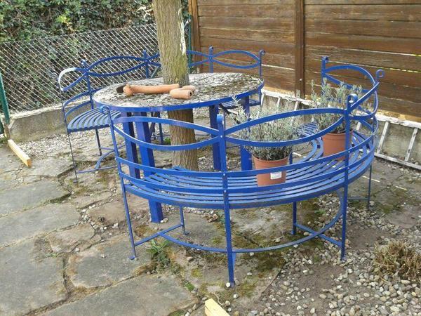 2 runde gartenb nke mit rundem tisch mit polster gartenbank rund gartentisch metall in blau in. Black Bedroom Furniture Sets. Home Design Ideas