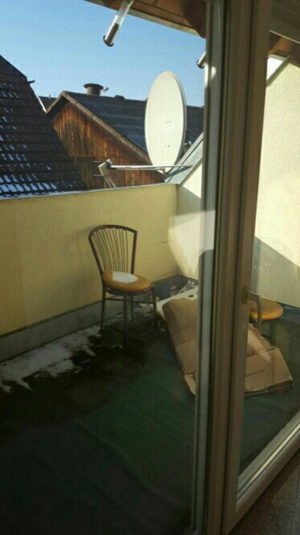 2 zimmer dachgeschoss wohnung in nordheim vermietung 2. Black Bedroom Furniture Sets. Home Design Ideas