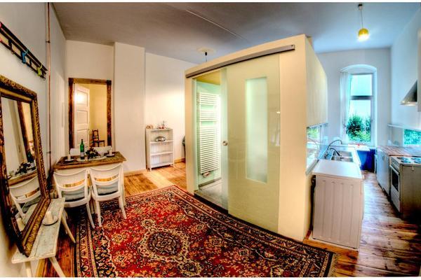 2 zimmerwohnung in berlin tempelhof ungew hnlicher grundriss wird nicht jedem gefallen eg. Black Bedroom Furniture Sets. Home Design Ideas