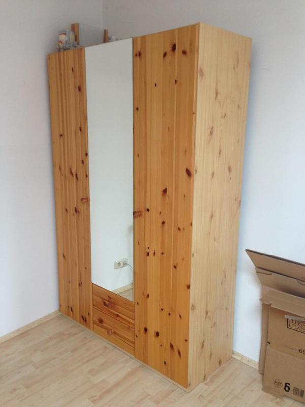 3 t riger kleiderschrank in mainz schr nke sonstige. Black Bedroom Furniture Sets. Home Design Ideas