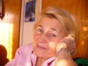 Ältere Frau sucht