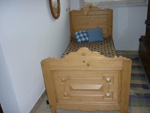 alte bauernbettstatt in g tzis sonstige m bel antiquarisch kaufen und verkaufen ber private. Black Bedroom Furniture Sets. Home Design Ideas