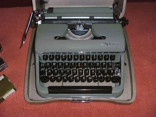 alte schreibmaschinen von olympia in hringen sonstige antiquit ten kaufen und verkaufen ber. Black Bedroom Furniture Sets. Home Design Ideas