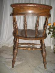 Antike Captain Chairs,