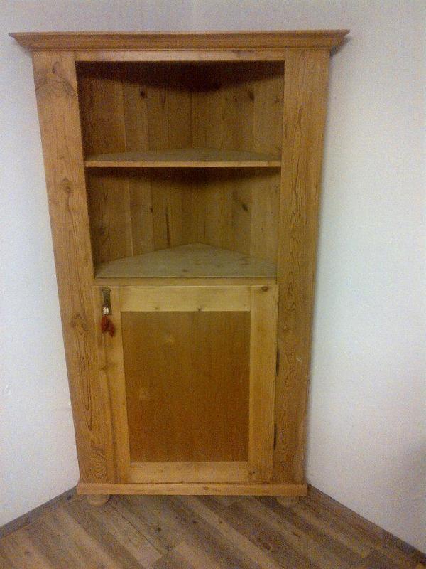 antiker eckschrank bauernschrank antiquit t in ludwigshafen sonstige wohnzimmereinrichtung. Black Bedroom Furniture Sets. Home Design Ideas