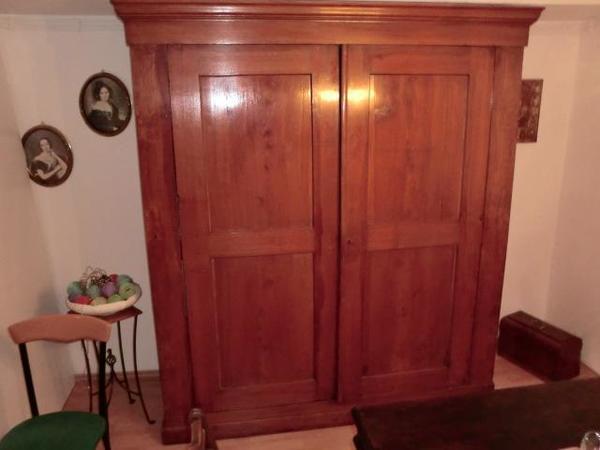 antiken kleiderschrank neu und gebraucht kaufen bei. Black Bedroom Furniture Sets. Home Design Ideas