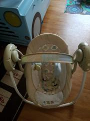 Babyschaukel elektronisch