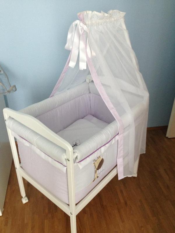 babywiege stubenwagen von naf naf in frankfurt wiegen babybetten reisebetten kaufen und. Black Bedroom Furniture Sets. Home Design Ideas