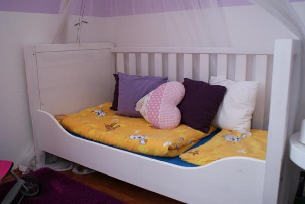babyzimmer kinderzimmer in kiefer massiv in wei shabbystyl ein komplettes baby. Black Bedroom Furniture Sets. Home Design Ideas