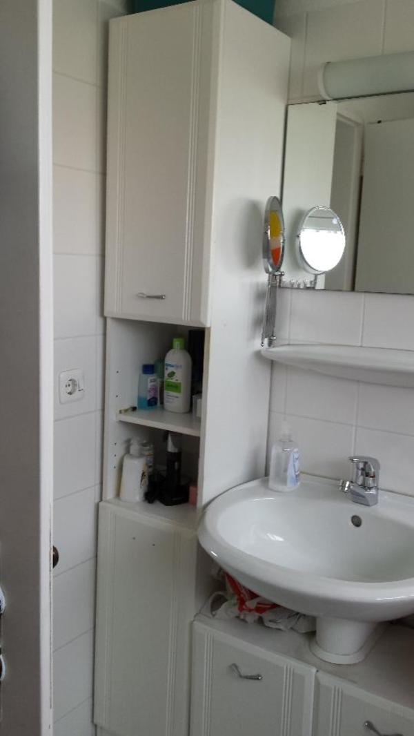 badeschr nke 2 teilig zu verkaufen in m nchen bad einrichtung und ger te kaufen und. Black Bedroom Furniture Sets. Home Design Ideas