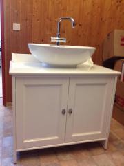 badschrank mit waschbecken haushalt m bel gebraucht. Black Bedroom Furniture Sets. Home Design Ideas