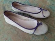 Ballerina, Gr. 39, rosa mit lila Einfassung, neuwertig Verkaufe sehr schöne Ballerina in der Gr. 39, made in Spain. Die Schuhe sind mir zu groß und mit ... 5,- D-40699Erkrath Heute, 17:45 Uhr, Erkrath - Ballerina, Gr. 39, rosa mit lila Einfassung, neuwertig Verkaufe sehr schöne Ballerina in der Gr. 39, made in Spain. Die Schuhe sind mir zu groß und mit