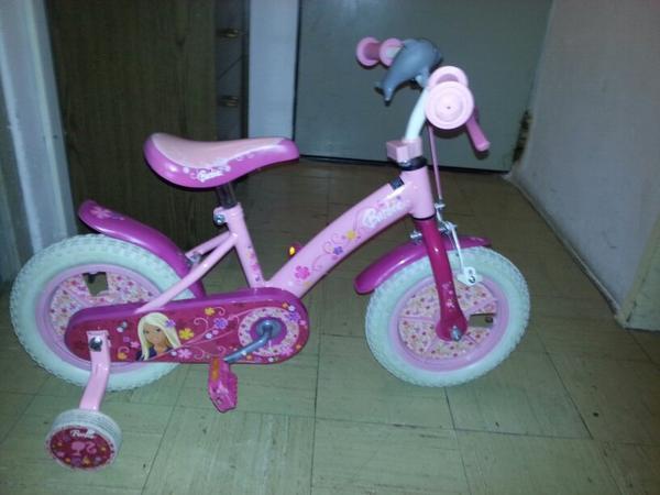 barbie fahrrad 12 zoll st tzr der in m glingen kinder. Black Bedroom Furniture Sets. Home Design Ideas