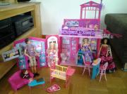 Barbie Glam Haus , zusammenklappbar, mit viel Zubehör Barbie Glam Haus von Mattel Viel extra Zubehör und Barbie Puppen - wie abgebildet - (Ken ist leider in der Hüfte kaputt) Das Barbie Haus ist ... 40,- D-74613Öhringen Heute, 11:25 Uhr, Öhringen - Barbie Glam Haus , zusammenklappbar, mit viel Zubehör Barbie Glam Haus von Mattel Viel extra Zubehör und Barbie Puppen - wie abgebildet - (Ken ist leider in der Hüfte kaputt) Das Barbie Haus ist