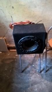 Bassbox mit Verstärker