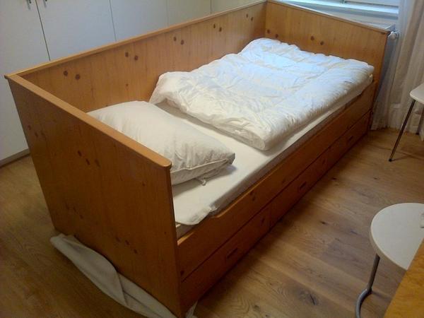 bett 90 x 200 fichte schreinerarbeit 3 schubladen kinder jugend in m nchen betten kaufen und. Black Bedroom Furniture Sets. Home Design Ideas