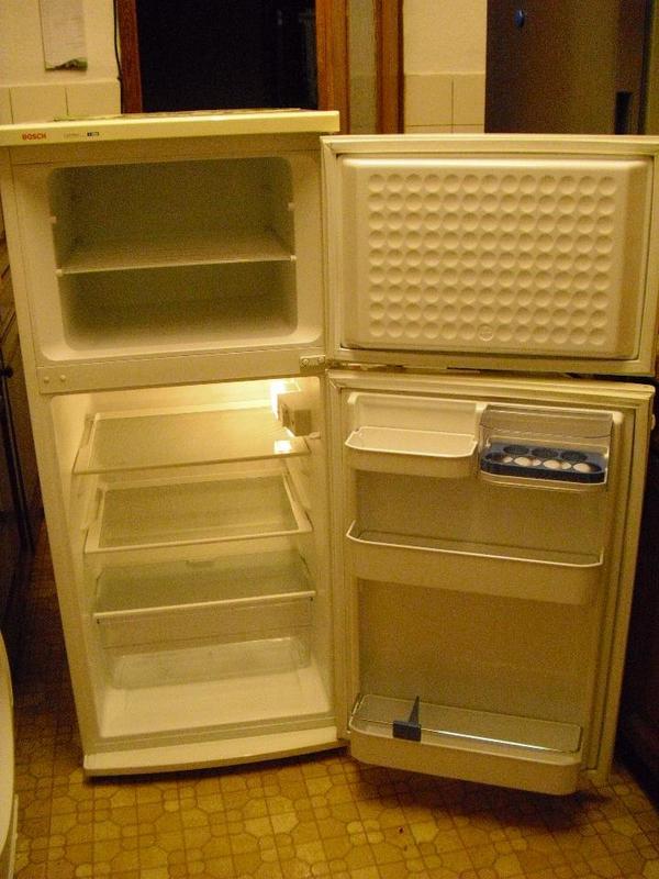 bosch k hlschrank gefrierschrank kombination in heidelberg k hl und gefrierschr nke kaufen. Black Bedroom Furniture Sets. Home Design Ideas