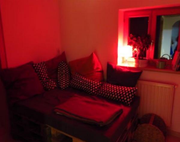 couch aus paletten in schruns polster sessel couch kaufen und verkaufen ber private. Black Bedroom Furniture Sets. Home Design Ideas