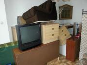 Couch, Kleiderschrank, Hocker,