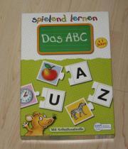 Das ABC spielend