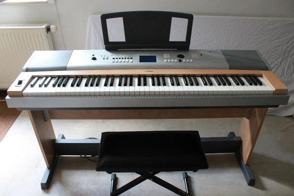 digital piano e klavier yamaha portable grand dgx 630 in straubenhardt keyboards kaufen und. Black Bedroom Furniture Sets. Home Design Ideas
