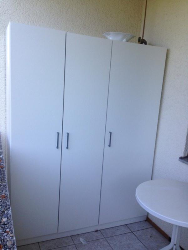 Kleiderschrank Ikea Zweitürig ~ Dombas Ikea Kleiderschrank 3 türig weiss