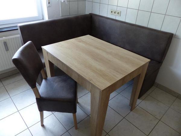verkaufe eine eckbank in sonoma eiche und lederimitat f hlt sich sehr weich an tisch stuhl. Black Bedroom Furniture Sets. Home Design Ideas