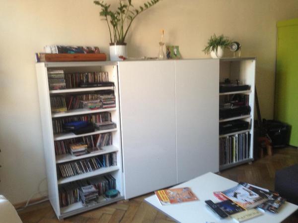 tv schrank mit schiebet ren inspirierendes. Black Bedroom Furniture Sets. Home Design Ideas