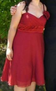 elegantes rotes Kleid