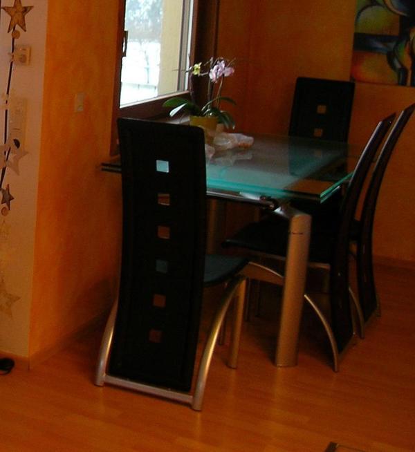 Esszimmertisch aus glas mit 6 st hlen in althengstett for Esszimmertisch glas