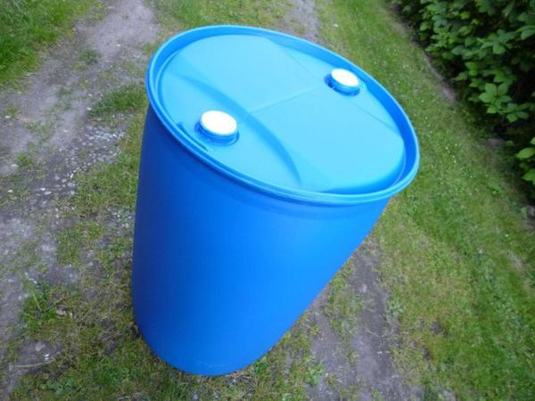 fass 200 l immer da regentonne blau nur einmal benutzt sauber in r sselsheim sonstiges f r. Black Bedroom Furniture Sets. Home Design Ideas