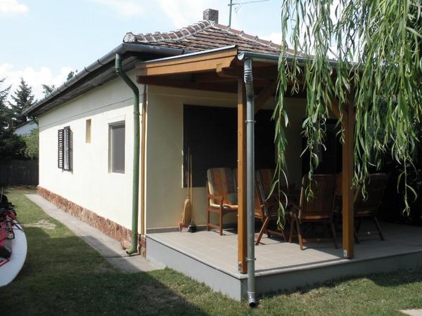 ferienhaus zu vermieten 400 m vom plattensee in ungarn in k ln ferienh user wohnungen. Black Bedroom Furniture Sets. Home Design Ideas