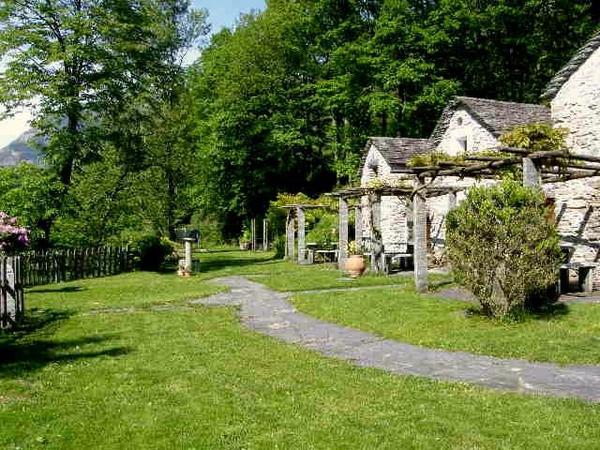 Ferienwohnung - Ferienhaus - Rustico - Tessin - Schweiz in ...
