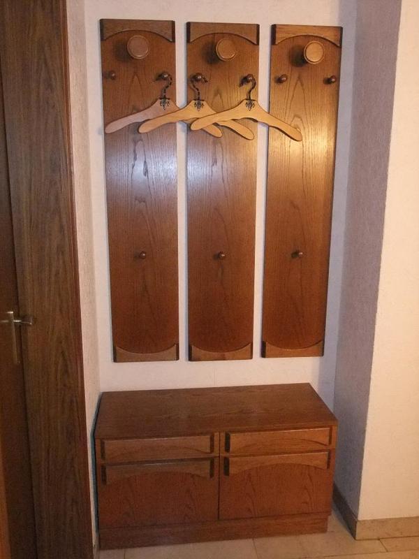 garderobe mit kommode schr nkchen eiche natur rustikal in hockenheim garderobe flur. Black Bedroom Furniture Sets. Home Design Ideas