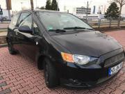 Gepflegter schwarzer Mitsubishi