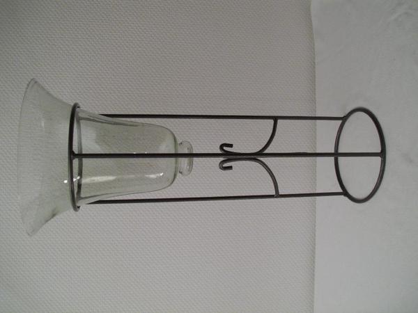 Glasvase auf metallst nder h he gesamt 67 cm h he vase for Beistelltisch 1m hoch