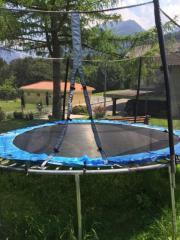 Großes Trampolin 2m
