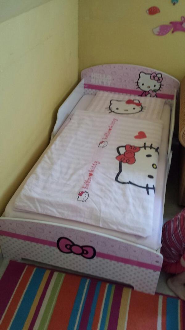 hello kitty traumbett 140 70cm in m der betten kaufen. Black Bedroom Furniture Sets. Home Design Ideas