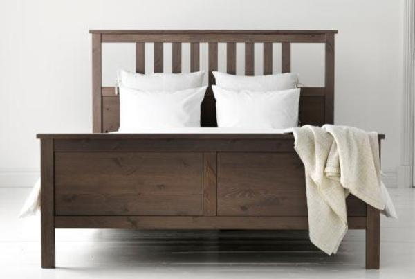 hemnes bettgestell graubraun 1 60x2 00m ohne lattenrost matratze in berlin betten kaufen und. Black Bedroom Furniture Sets. Home Design Ideas