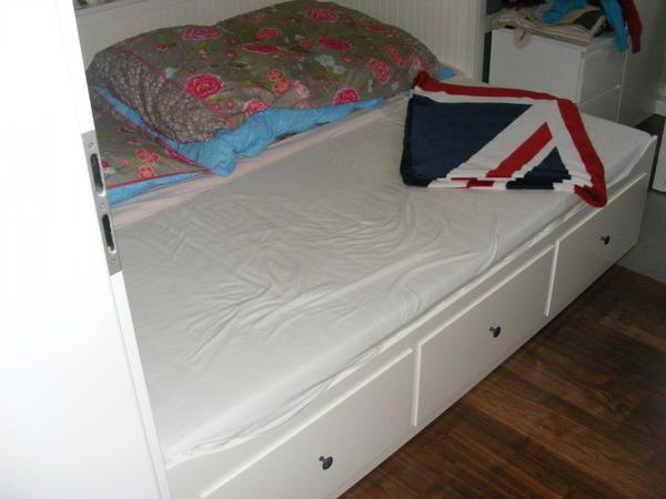 ikea hemnes bett 160x200 ikea hemnes bett pictures to pin on. Black Bedroom Furniture Sets. Home Design Ideas