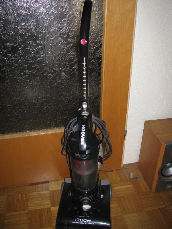 hoover beutelloser staubsauger model hu 4175 011. Black Bedroom Furniture Sets. Home Design Ideas