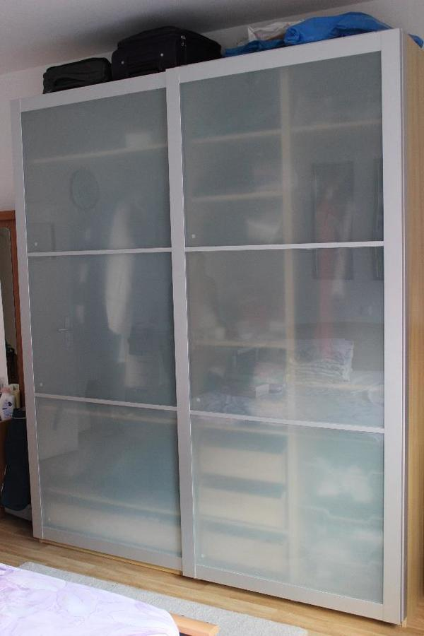 ikea pax kleiderscrank 200 b x 236 h x 60 cm t 3 jahre alt mit sehr gute zustand. Black Bedroom Furniture Sets. Home Design Ideas