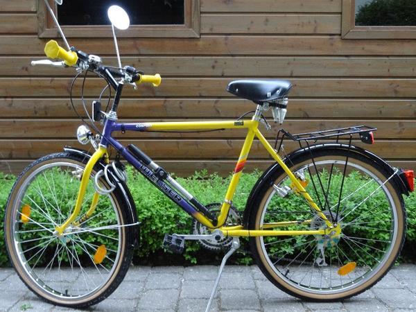 jungen fahrrad marke welser 18 g nge 26 zoll mehrfarbig schwarz lila gelb tel 0821 88 13 43. Black Bedroom Furniture Sets. Home Design Ideas