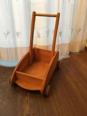 Kinderlauflernwagen aus Holz
