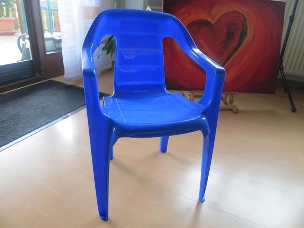 kinderstuhl plastik in blau in durmersheim sonstiges kinderspielzeug kaufen und verkaufen ber. Black Bedroom Furniture Sets. Home Design Ideas
