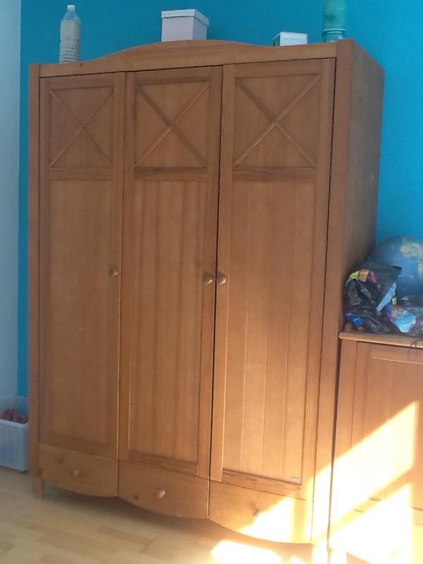 wundersch nes und komplettes kinderzimmer von paidi zu verkaufen fichtenholz massiv. Black Bedroom Furniture Sets. Home Design Ideas