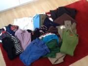 Kleiderpaket günstig abzugeben!