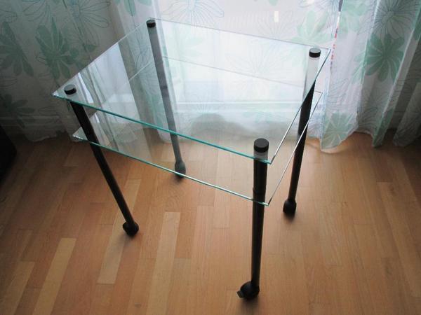 kleiner glastisch praktisch in m nchen sonstige. Black Bedroom Furniture Sets. Home Design Ideas