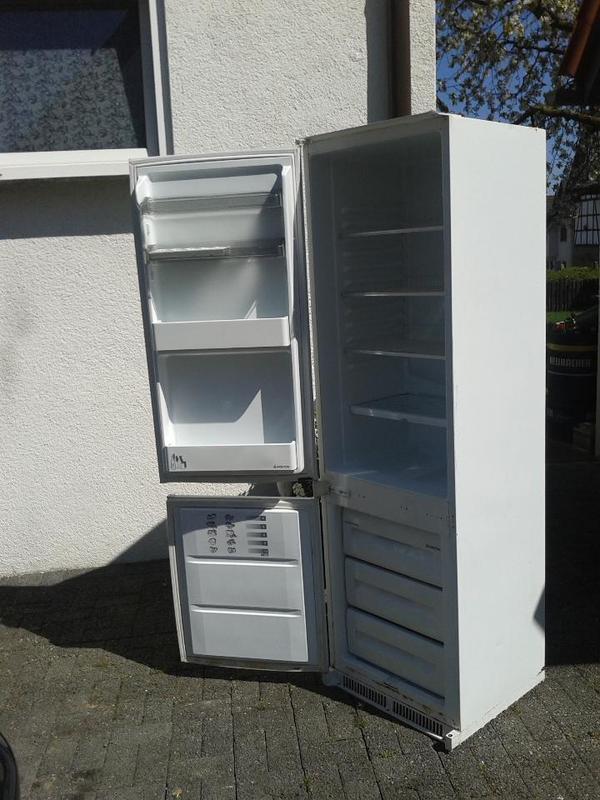 k hlschrank einbau m gefriereinheit ariston ok rf 3100 i gebraucht in ludwigsburg k hl und. Black Bedroom Furniture Sets. Home Design Ideas
