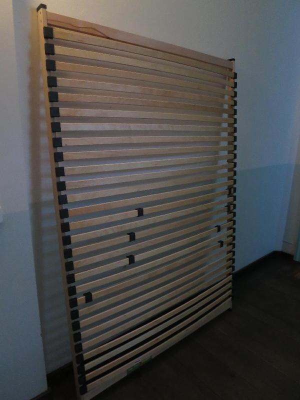 lattenrost m max 140 x 200 in top zustand in m nchen matratzen rost bettzeug kaufen und. Black Bedroom Furniture Sets. Home Design Ideas